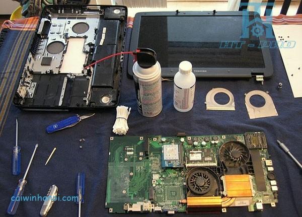 ve-sinh-laptop-tai-nha-2